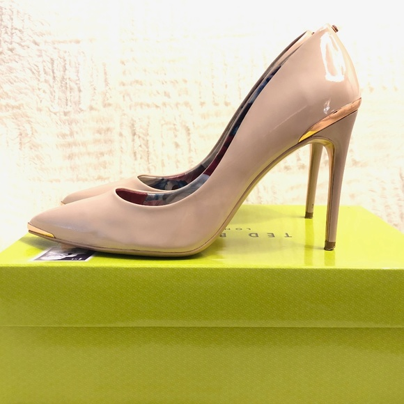 623edb4ec38525 Ted Baker Kaawa Patent Leather Pointed Toe Pumps
